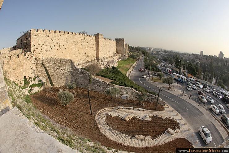 Стены и ворота Старого Города